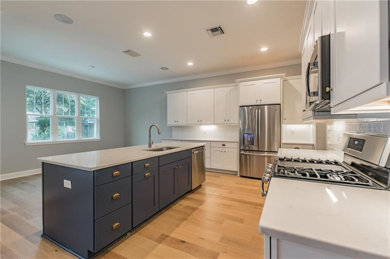 Property Image Of 6225 Interbay Avenue In Tampa, Fl