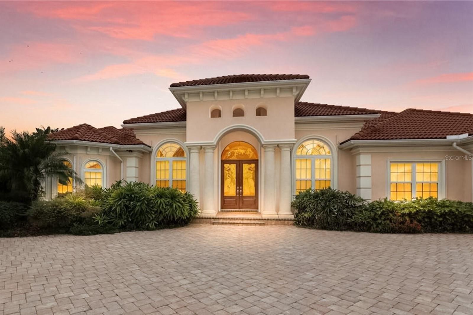 Bradenton                                                                      , FL - $1,875,000