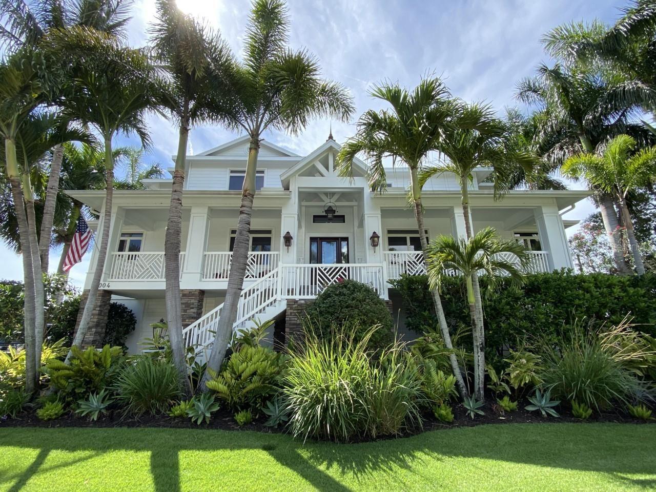 Bradenton                                                                      , FL - $2,495,000