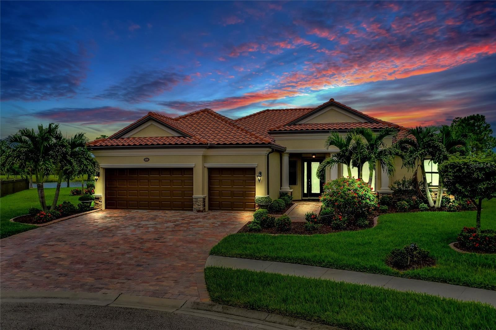 Venice                                                                      , FL - $785,000