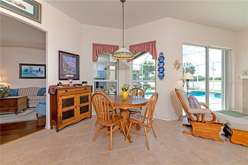 Property Image Of 10567 Old Grove Circle In Bradenton, Fl