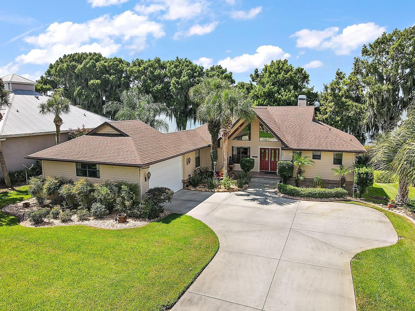 Eustis                                                                      , FL - $895,000