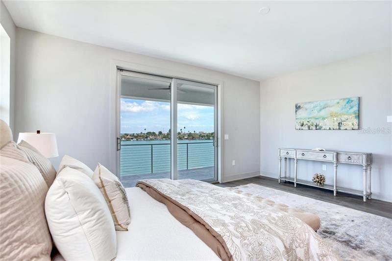 Property Image Of 15713 Redington Drive In Redington Beach, Fl