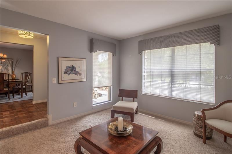Property Image Of 2502 Beachwood Lane In Valrico, Fl
