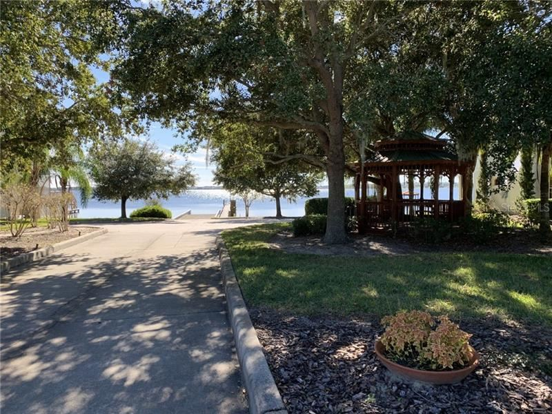 Property Image Of 630 Largovista Drive In Oakland, Fl