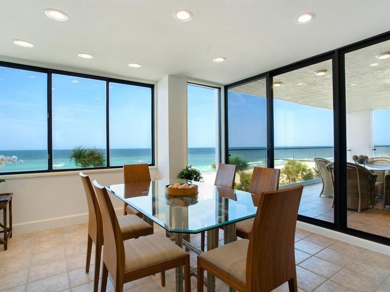 Longboat Key                                                                      , FL - $3,075,000