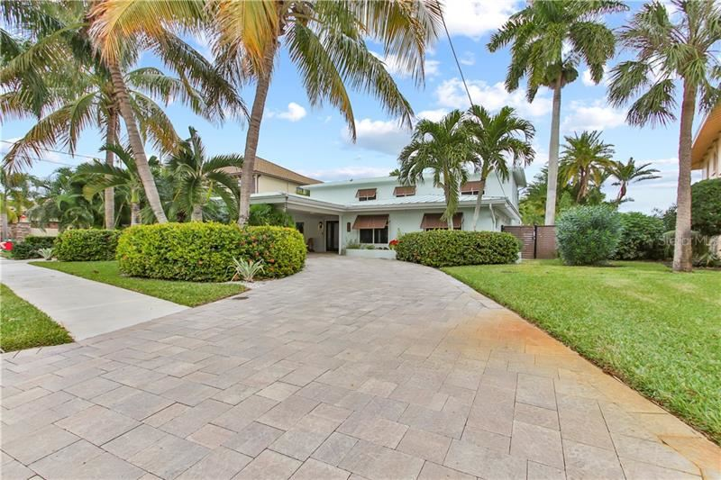 Bradenton                                                                      , FL - $1,925,000