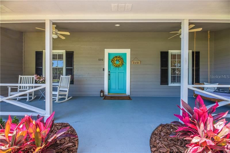 Property Image Of 600 Lake Charm Court In Oviedo, Fl