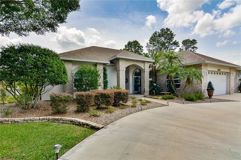 Property Image Of 2912 Forest Club Drive In Plant City, Fl