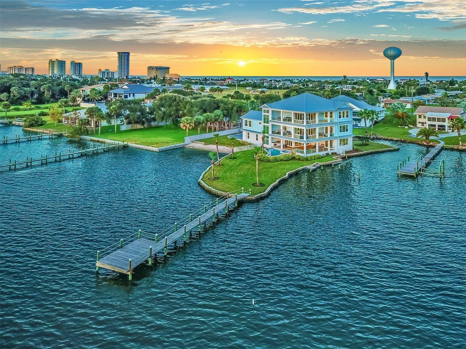 Property Image Of 2810 S Peninsula Drive In Daytona Beach, Fl