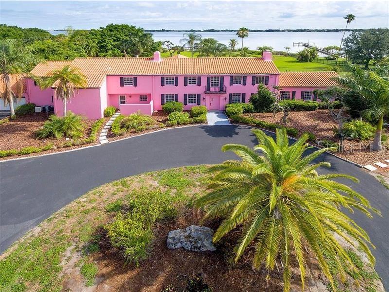 Bradenton                                                                      , FL - $1,999,000