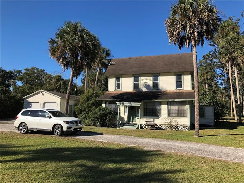 Orange City                                                                      , FL - $195,000