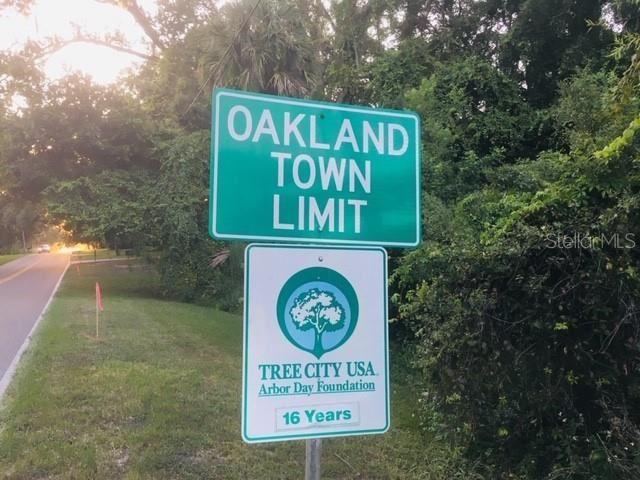 Property Image Of 15690 E Oakland Avenue In Oakland, Fl