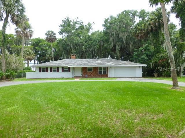 Property Image Of 30041 Johnsons Point Road In Leesburg, Fl