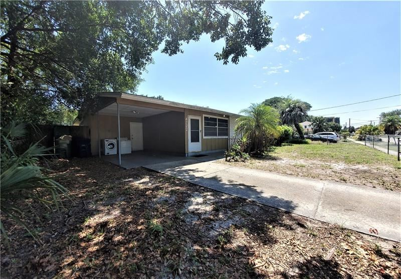 Property Image Of 4722 W Bay Avenue In Tampa, Fl