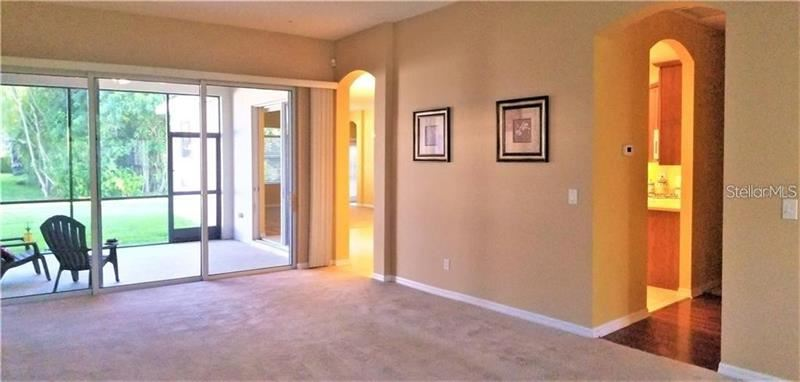 Property Image Of 7610 Heyward Circle In University Park, Fl