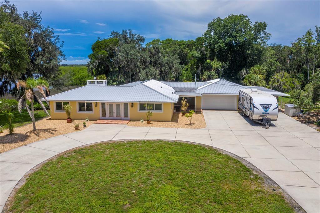 Bradenton                                                                      , FL - $2,350,000