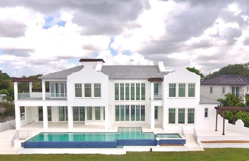 Property Image Of 129 Bay Point Drive Ne In St Petersburg, Fl
