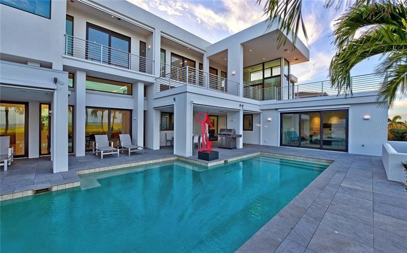 Longboat Key                                                                      , FL - $4,900,000