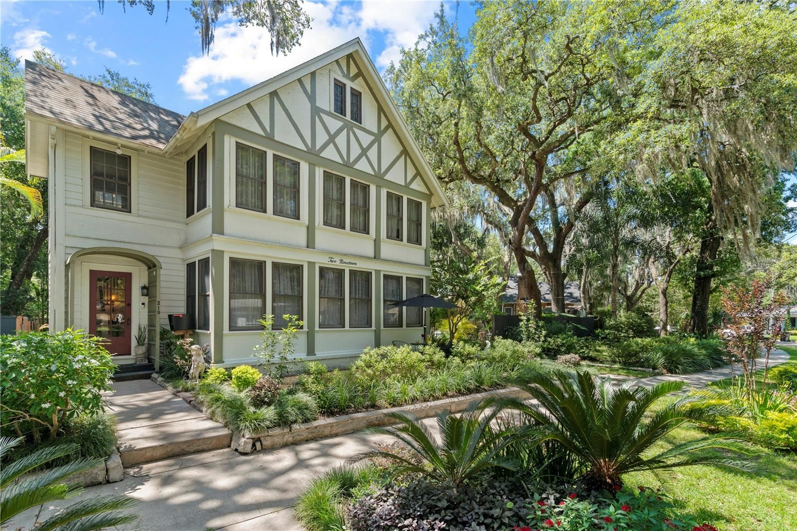 Orlando                                                                      , FL - $759,900