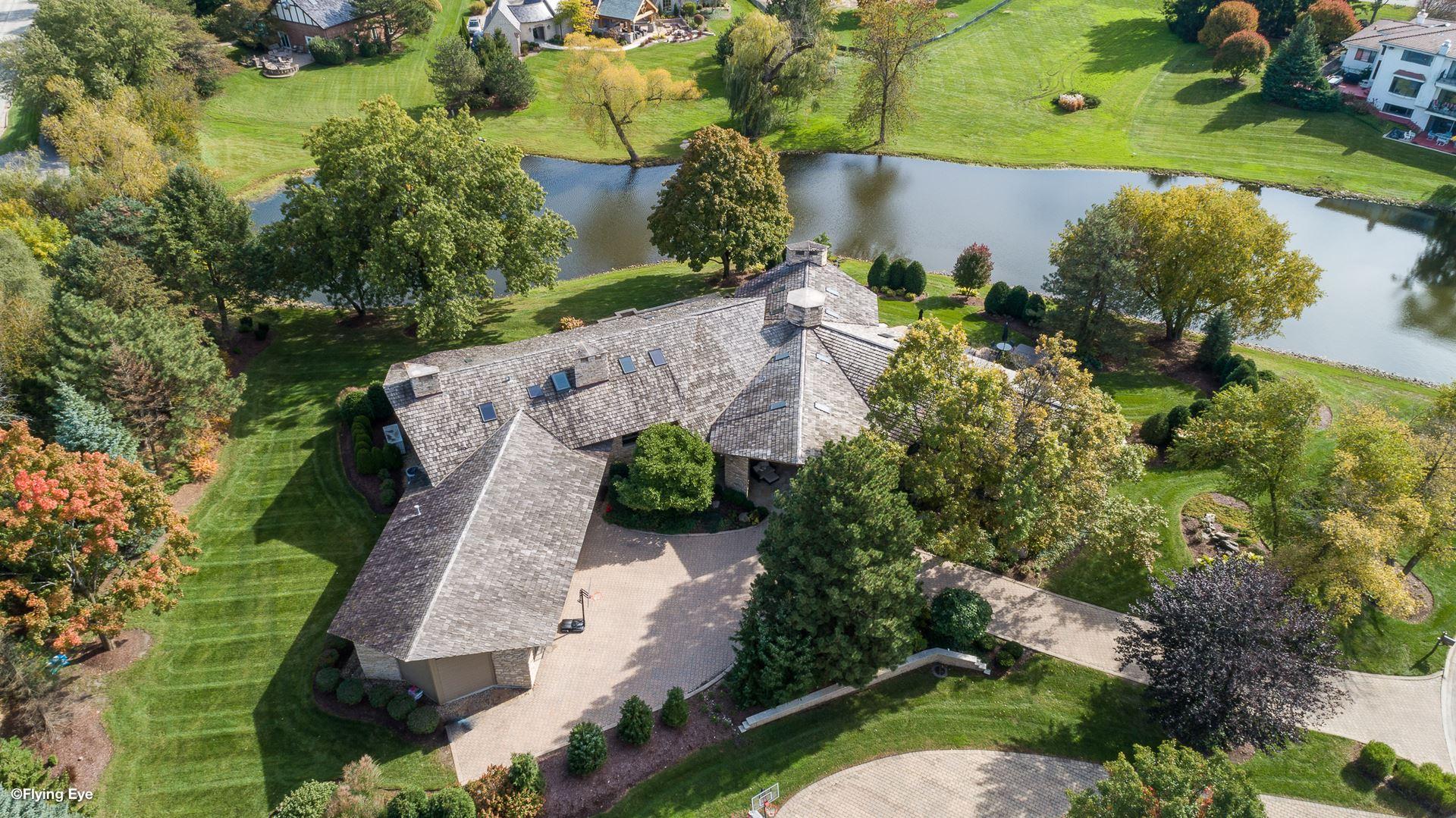 Oak Brook                                                                      , IL - $1,895,000