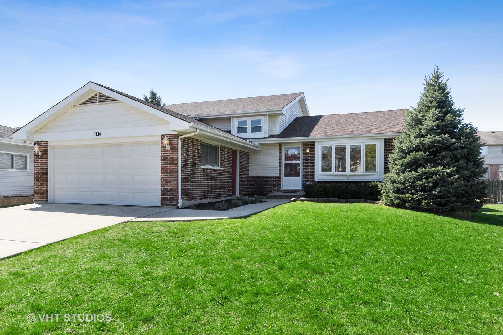 Naperville                                                                      , IL - $299,900