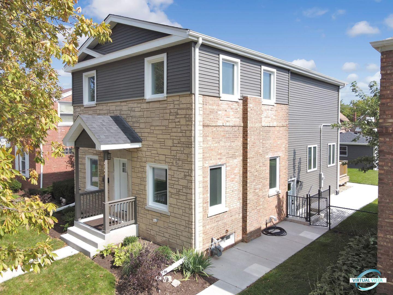 Berwyn                                                                      , IL - $454,900