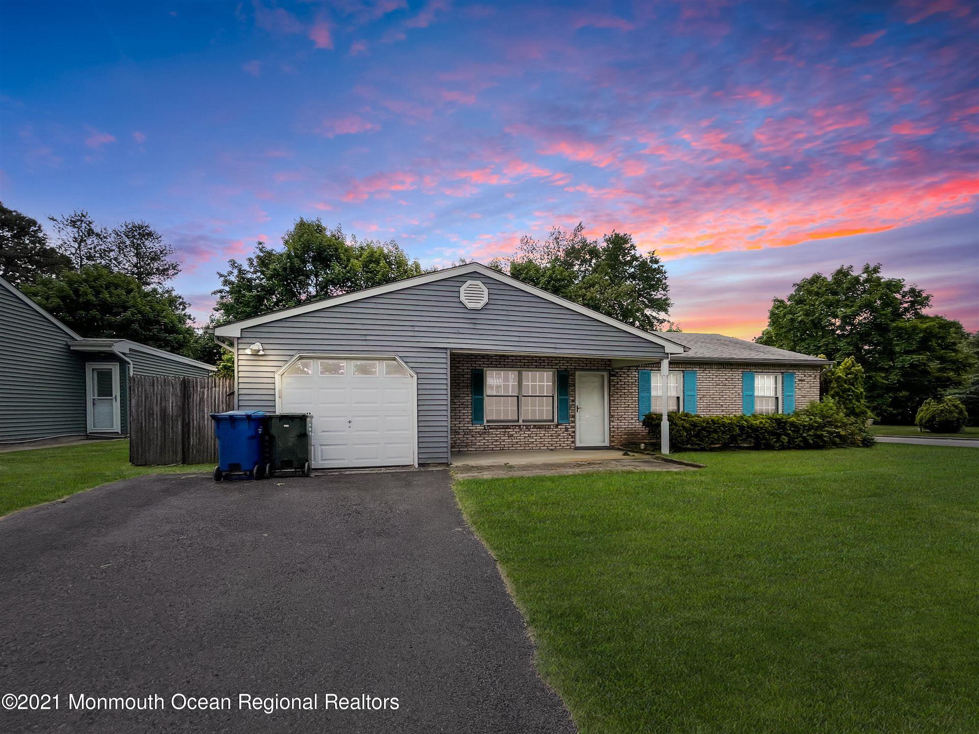 Tinton Falls                                                                      , NJ - $414,750
