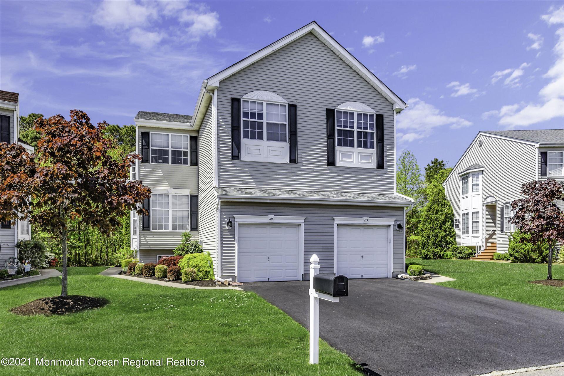 Tinton Falls                                                                      , NJ - $449,000