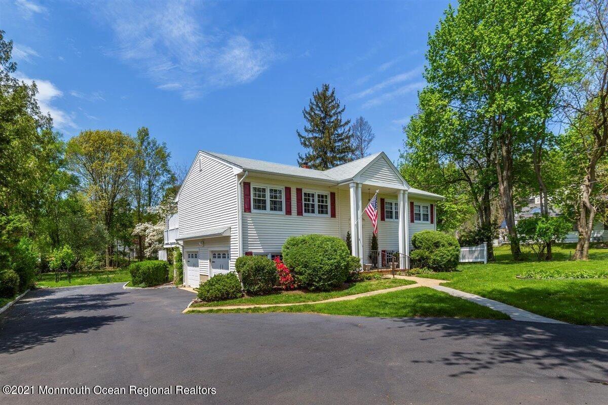 Tinton Falls                                                                      , NJ - $522,000