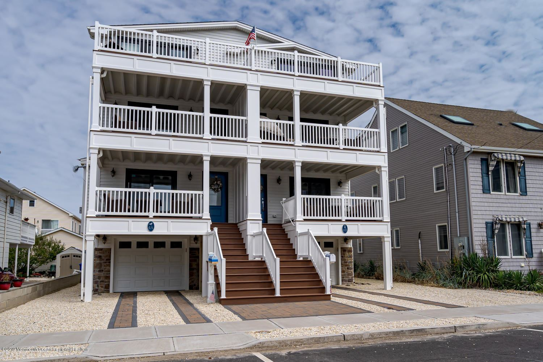 Ortley Beach                                                                      , NJ - $785,000