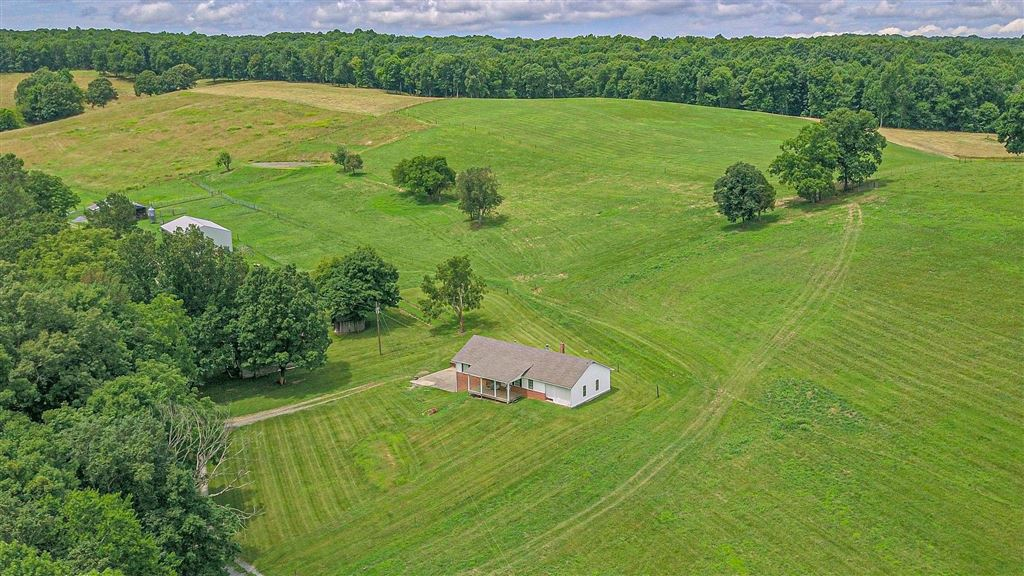 Property Image Of 2655 Woods Valley Road In Cumberland Furnace, Tn