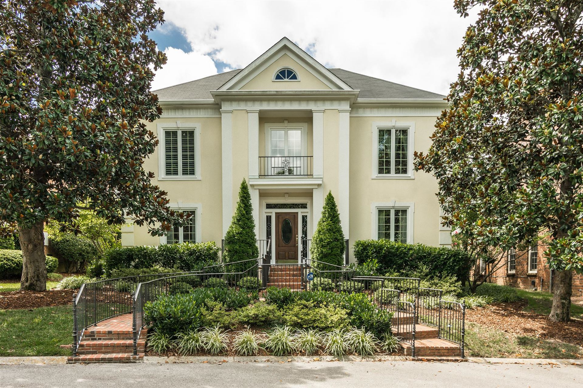Property Image Of 402 Hyde Park In Nashville, Tn
