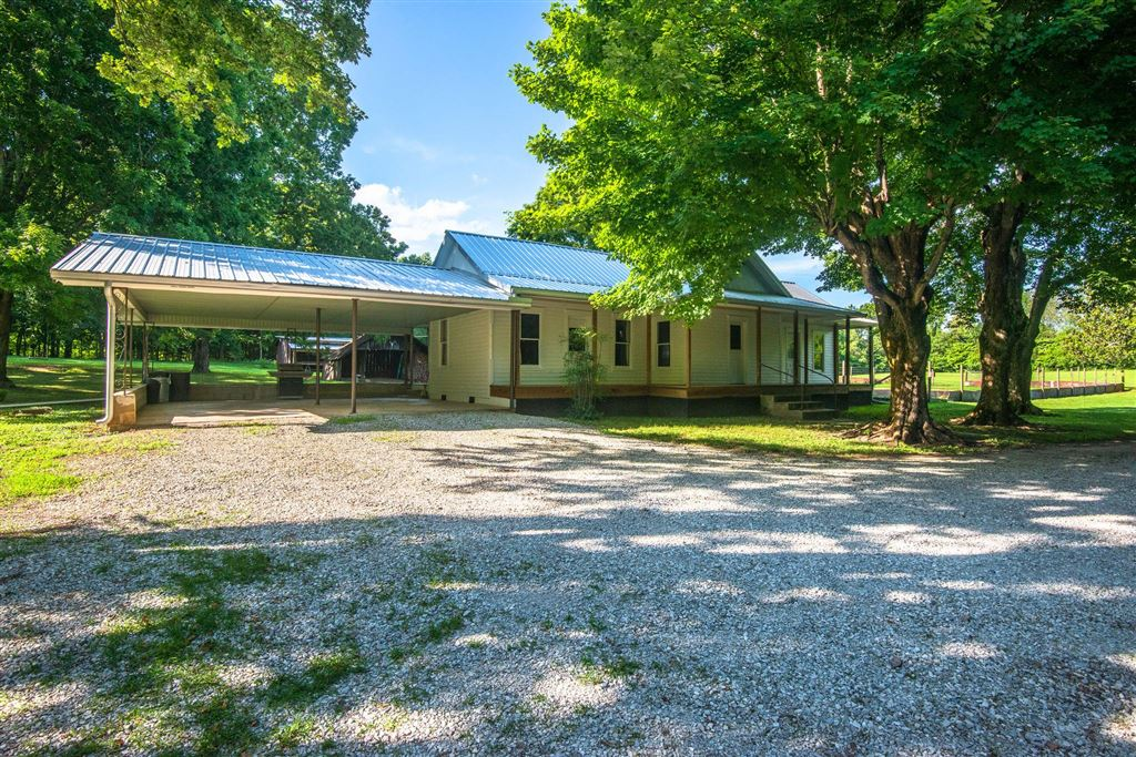 Property Image Of 3363 Church St In Burns, Tn