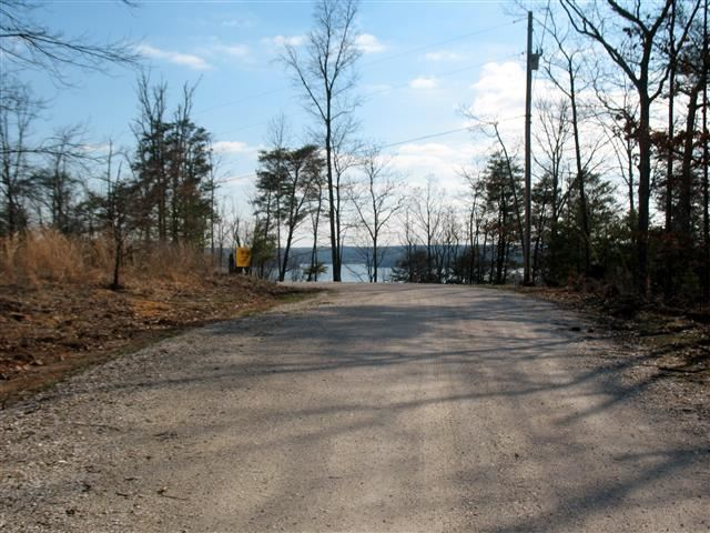 Property Image Of 17 Eagle Shore Drive In Dover, Tn