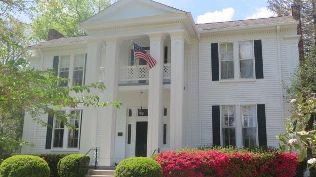 Brentwood                                                                      , TN - $929,000