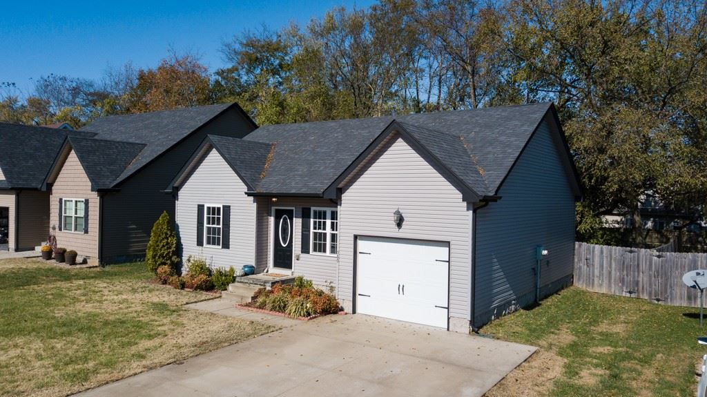 Property Image Of 560 Falkland Cir In Clarksville, Tn