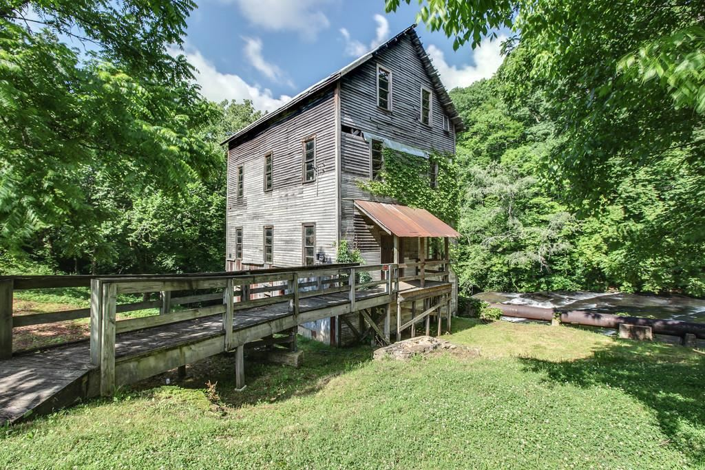 Property Image Of 17 Wilburn Mill Rd In Leoma, Tn