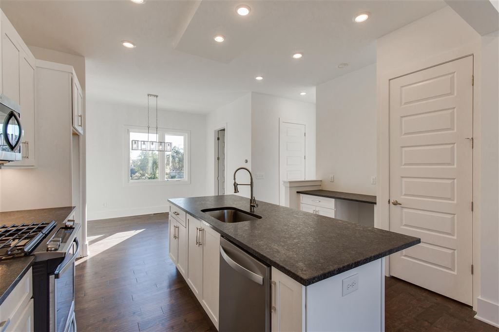 Property Image Of 837 Vibe Place In Nashville, Tn