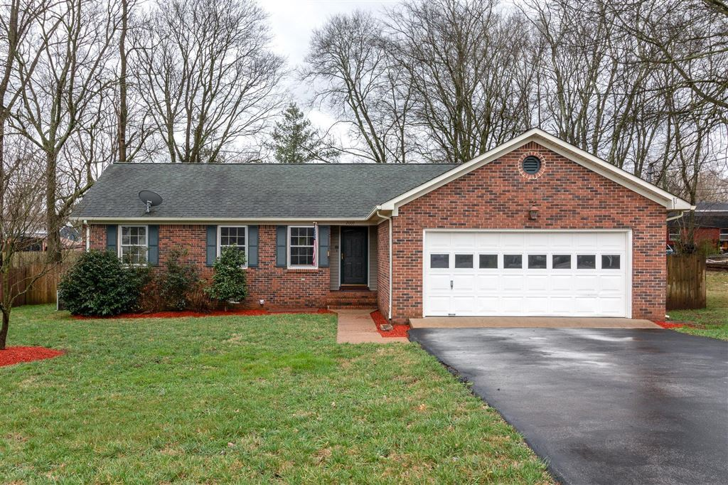 Property Image Of 2009 Cobb Drive In Columbia, Tn
