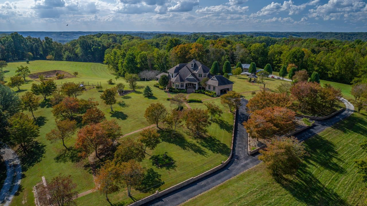 Property Image Of 156 Red Apple Ln In Belvidere, Tn