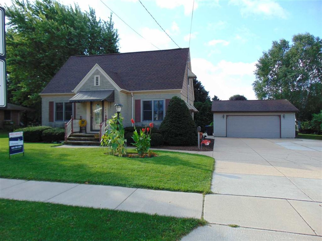 Little Chute Wi >> 1205 E Main Street Little Chute Wi Single Family Home Property Listing