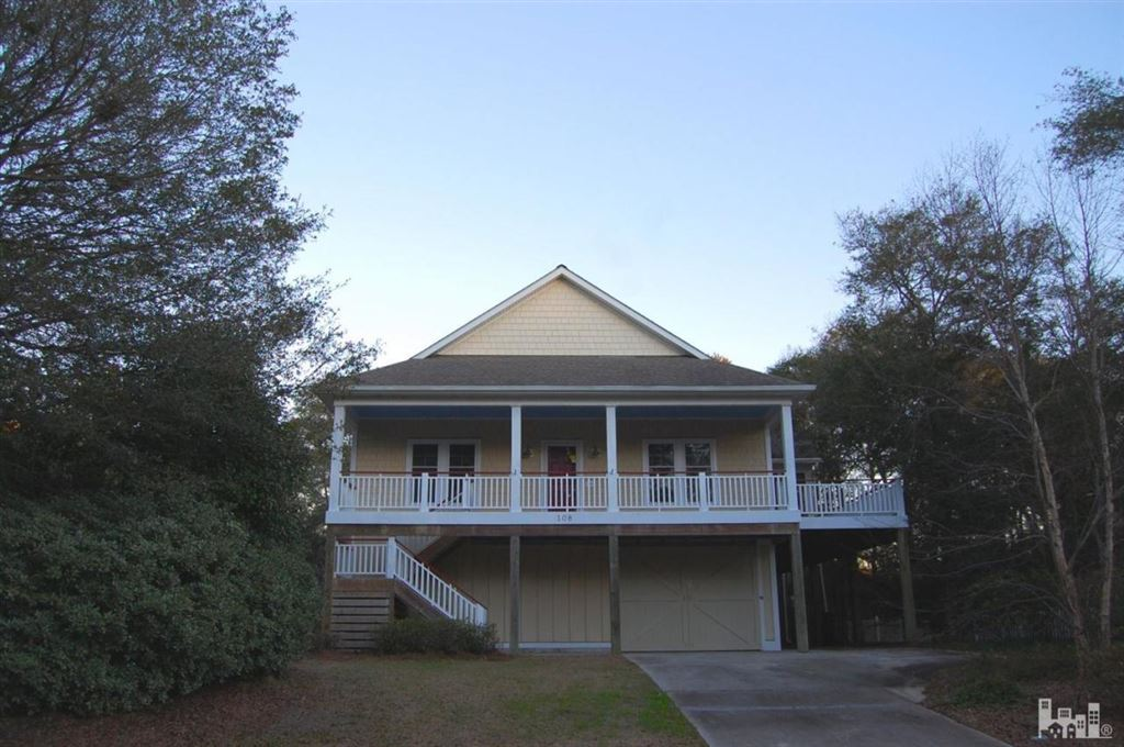 108 SE 29th Street, Oak Island, NC 28465