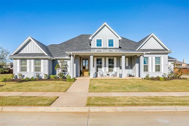 Burleson                                                                      , TX - $640,000