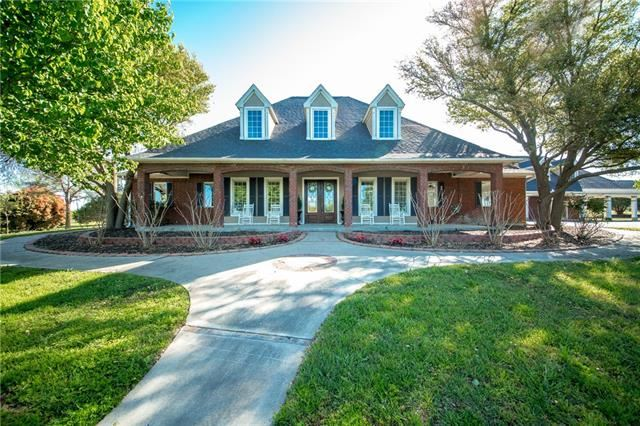 Weatherford                                                                      , TX - $775,000