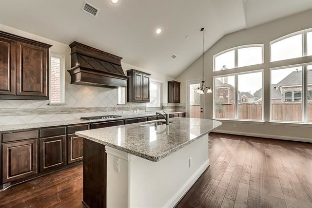 Property Image Of 904 Southern Hills In Savannah, Tx