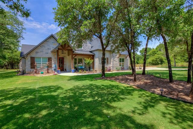 Property Image Of 743 S Sugartree Drive In Lipan, Tx