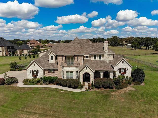 Burleson                                                                      , TX - $724,000