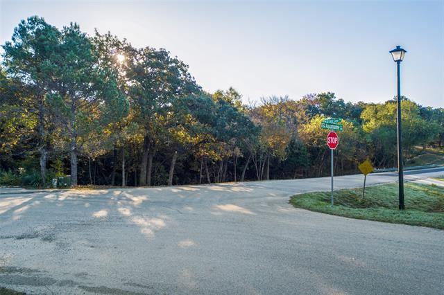 Property Image Of 300 Aqua Marine Drive In Oak Point, Tx
