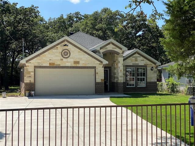 Property Image Of 3801 Forest Lawn Drive In Balch Springs, Tx